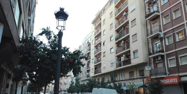 Poble Democràtic denuncia que la modernización del alumbrado impulsada por el Ayuntamiento es una chapuza