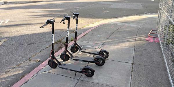 Poble Democràtic critica que sea necesaria una víctima para plantear una reforma de la ley de tráfico que incluya a los patinetes eléctricos
