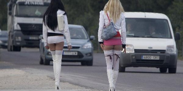 Núria Juan respalda implantar protocolos conjuntos para frenar la prostitución en los polígonos de l'Horta