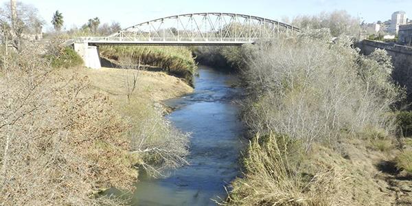 Poble Democràtic pregunta si la estrategia integral del agua del Consell pasa por defender los trasvases